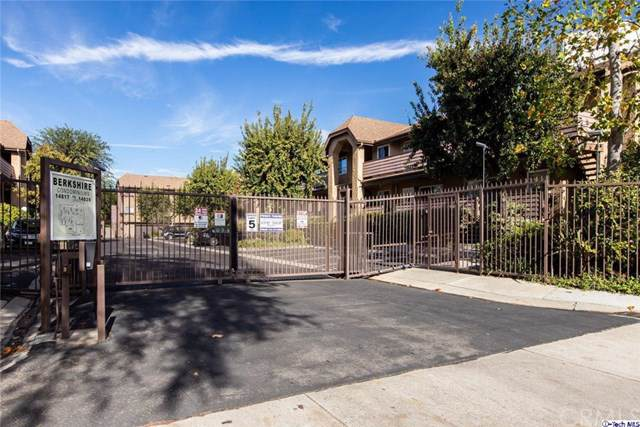 14821 Sherman Way #5, Van Nuys, CA 91405 (#319004821) :: Sperry Residential Group