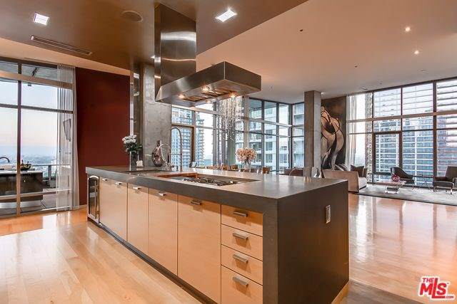 1100 S Hope Street Ph201, Los Angeles (City), CA 90015 (#19535318) :: Doherty Real Estate Group