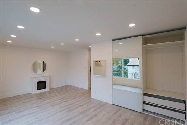 20234 Cantara Street #253, Winnetka, CA 91306 (#SR19275859) :: Harmon Homes, Inc.