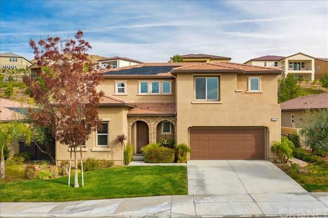 19123 Graham Lane, Saugus, CA 91350 (#SR19277142) :: Twiss Realty