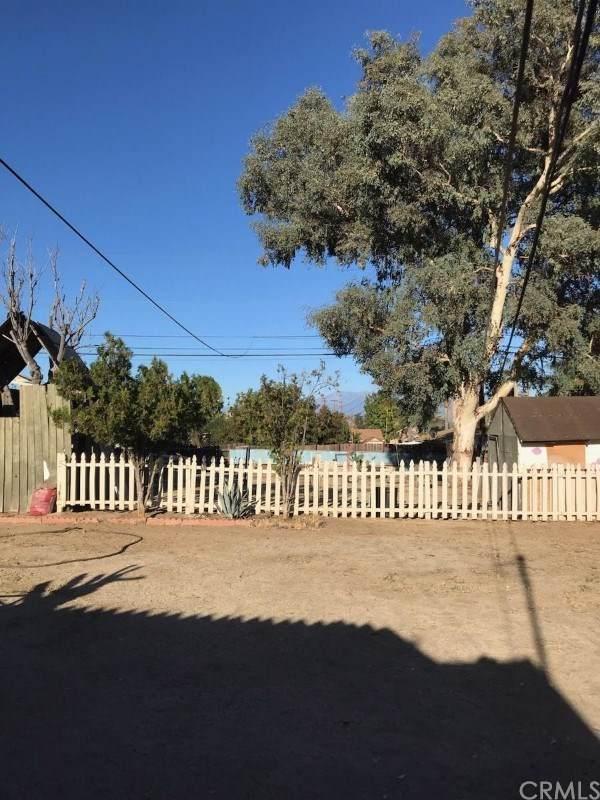 864 Navajo Road, Perris, CA 92570 (#PI19263405) :: Allison James Estates and Homes