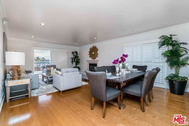 1878 Greenfield Avenue Ph2, Los Angeles (City), CA 90025 (#19535420) :: Sperry Residential Group