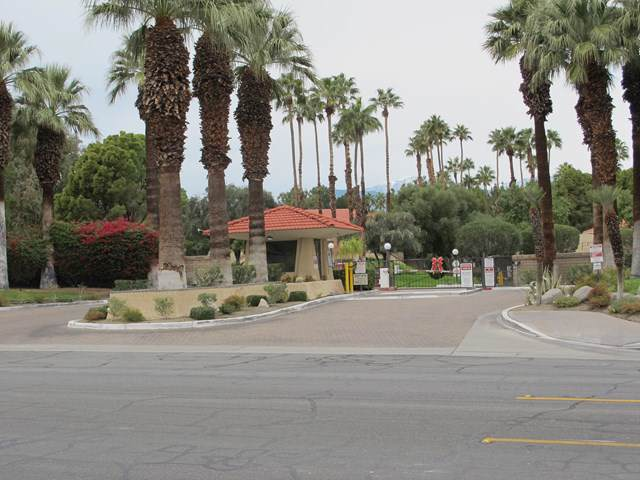 2812 Auburn Court F111, Palm Springs, CA 92262 (#219035079PS) :: The Laffins Real Estate Team