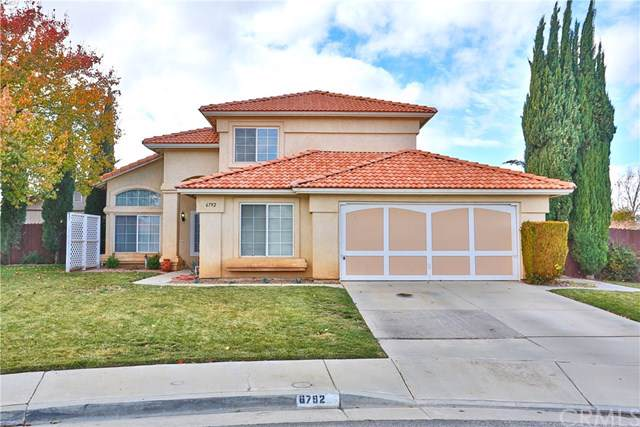 6792 Knoll Court, Hesperia, CA 92345 (#EV19277942) :: Legacy 15 Real Estate Brokers