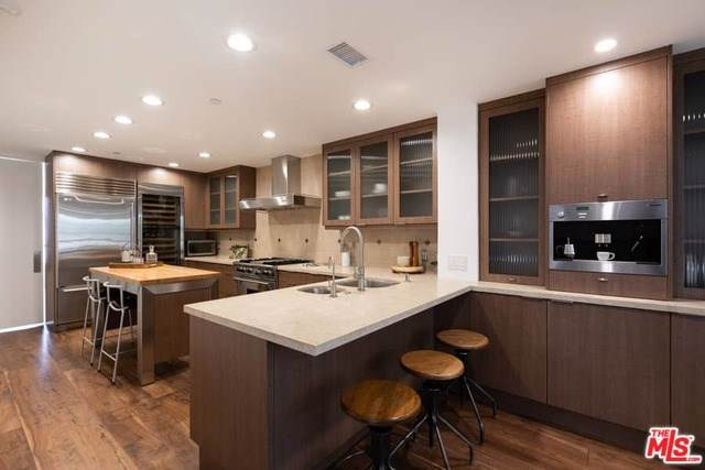 12218 Montana Avenue #304, Los Angeles (City), CA 90049 (#19535366) :: Sperry Residential Group