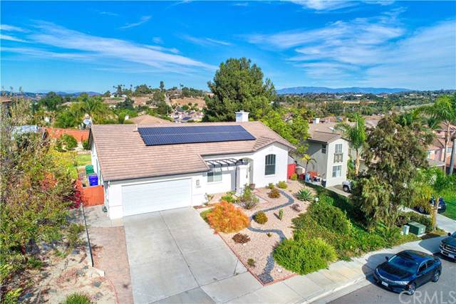 1572 Whispering Palm Drive, Oceanside, CA 92056 (#LG19278018) :: Sperry Residential Group