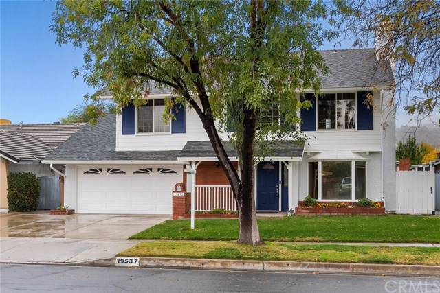 19537 Delight Street, Canyon Country, CA 91351 (#OC19278275) :: The Brad Korb Real Estate Group