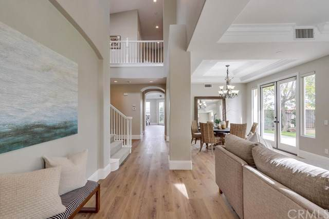 5489 E Suncrest Road, Anaheim Hills, CA 92807 (#PW19278281) :: Allison James Estates and Homes