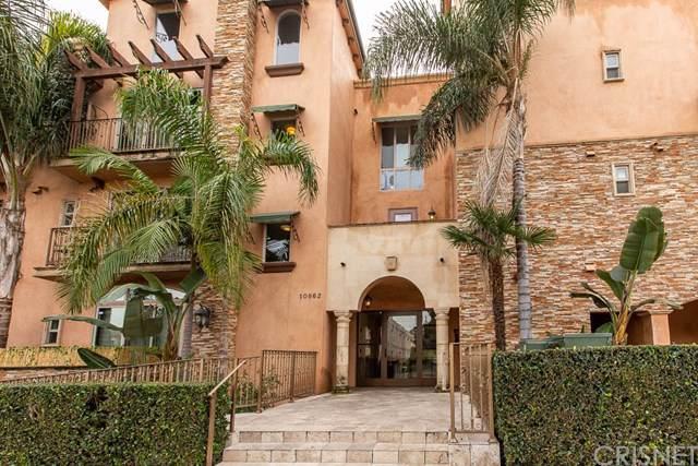 10862 Bloomfield Street #101, Toluca Lake, CA 91602 (#SR19278413) :: The Brad Korb Real Estate Group
