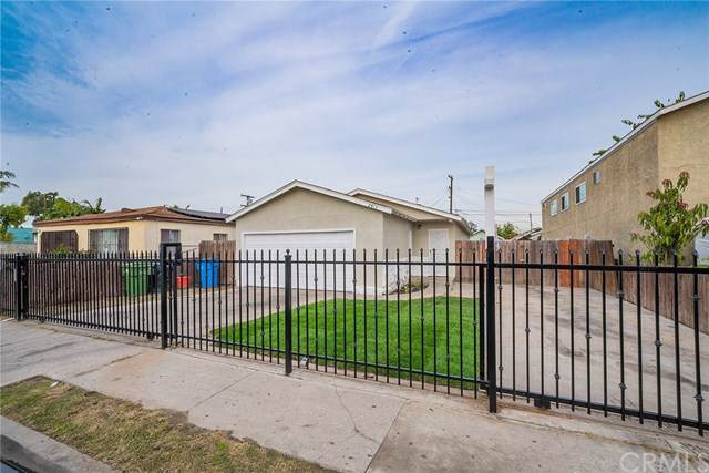 2413 E 114th, Los Angeles (City), CA 90059 (#DW19278282) :: Millman Team