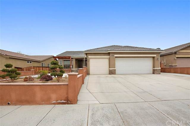 15857 Rough Rider Place, Victorville, CA 92394 (#IV19278304) :: Allison James Estates and Homes