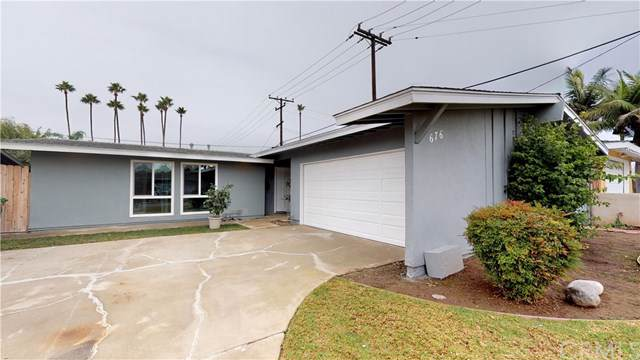 676 W Wilson Street, Costa Mesa, CA 92627 (#TR19278670) :: Fred Sed Group