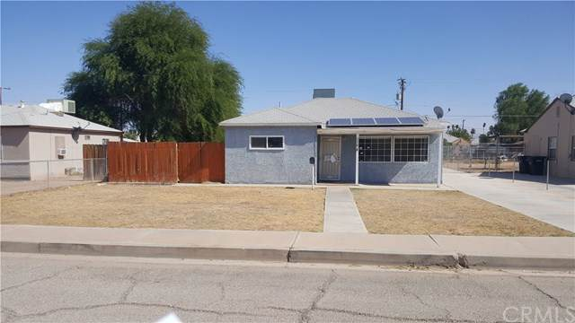 558 N 4th Street, Blythe, CA 92225 (#PW19278702) :: Sperry Residential Group
