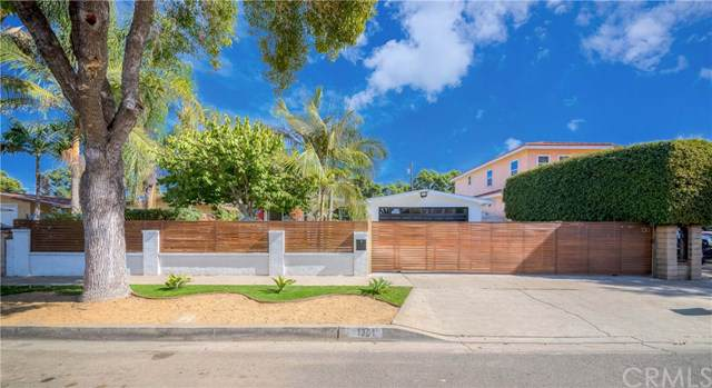 1301 Halladay Street, Santa Ana, CA 92707 (#DW19279111) :: Keller Williams Realty, LA Harbor