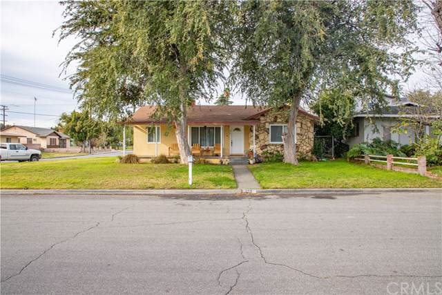 256 W Rosewood Street, Rialto, CA 92376 (#IV19272108) :: The Marelly Group | Compass