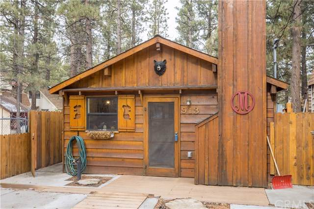 913 E Barker Boulevard, Big Bear, CA 92314 (#EV19279277) :: J1 Realty Group
