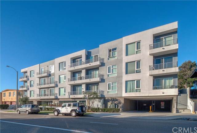 7857 W Manchester Avenue #207, Playa Del Rey, CA 90293 (#SB19278691) :: Sperry Residential Group