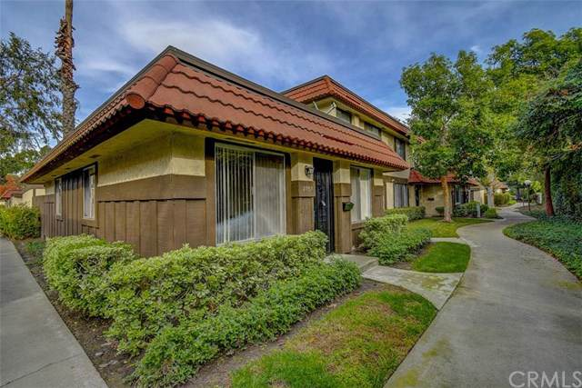 2757 W Parkside Lane, Anaheim, CA 92801 (#PW19278174) :: Sperry Residential Group