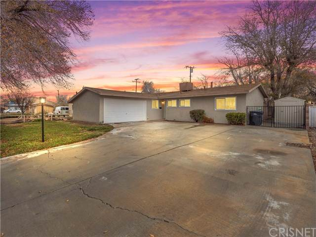 45556 17th Street W, Lancaster, CA 93534 (#SR19279645) :: Team Tami
