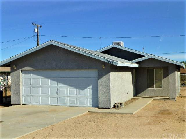 7045 Mission Avenue, 29 Palms, CA 92277 (#JT19279640) :: J1 Realty Group