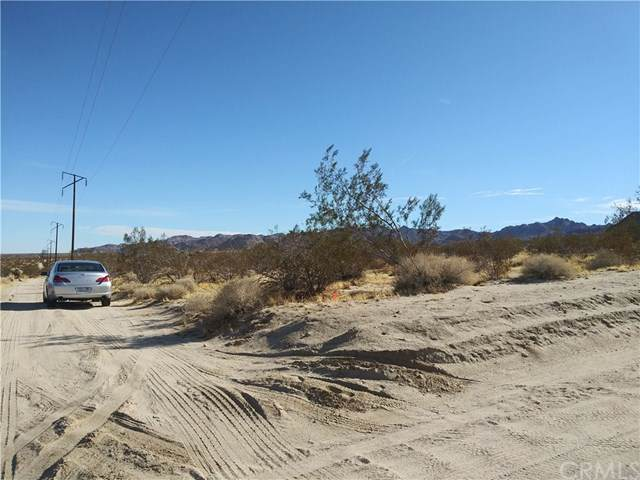 0 Arizona Avenue, Joshua Tree, CA 92252 (#SW19279112) :: RE/MAX Masters
