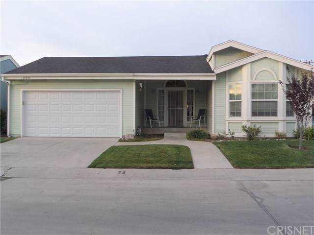 19735 Cottonwood Drive, Canyon Country, CA 91351 (#SR19279315) :: Sperry Residential Group