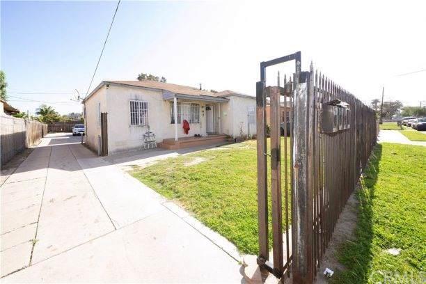 118 E Cypress Street, Compton, CA 90220 (#DW19280018) :: Blake Cory Home Selling Team