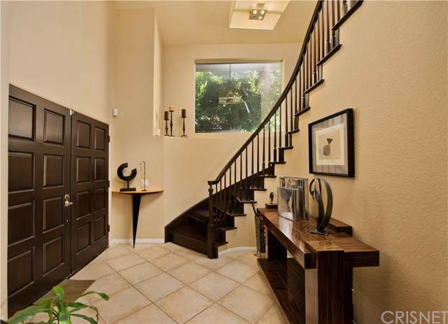 528 Fairfield Road, Simi Valley, CA 93065 (#SR19280144) :: Coldwell Banker Millennium