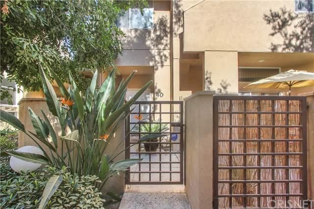 18730 Hatteras Street #40, Tarzana, CA 91356 (#SR19279787) :: Sperry Residential Group