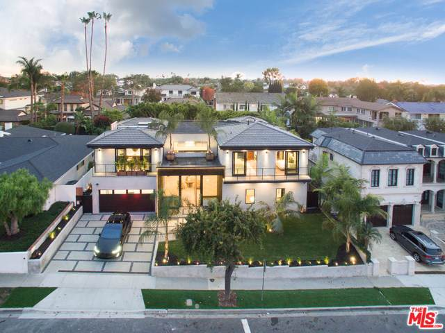2021 Santiago Drive, Newport Beach, CA 92660 (#19536080) :: Fred Sed Group