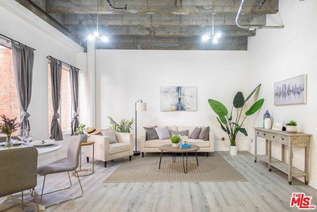 312 W 5TH Street #606, Los Angeles (City), CA 90013 (#19536744) :: Sperry Residential Group
