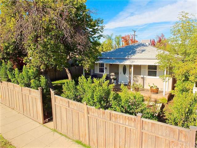 17545 Burbank Boulevard, Encino, CA 91316 (#RS19280288) :: A|G Amaya Group Real Estate