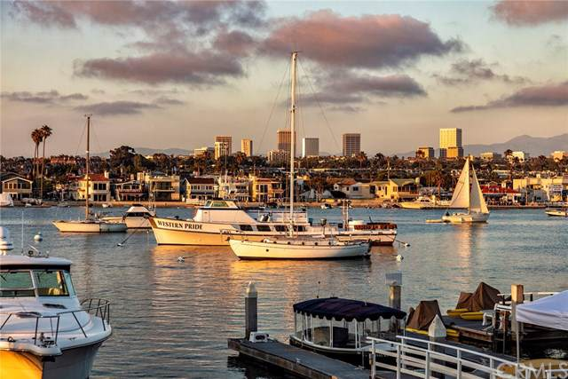 405 E Edgewater Avenue, Newport Beach, CA 92661 (#NP19280184) :: Pam Spadafore & Associates