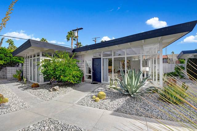 2244 Tahquitz Canyon Way #8, Palm Springs, CA 92262 (#219035387DA) :: Sperry Residential Group