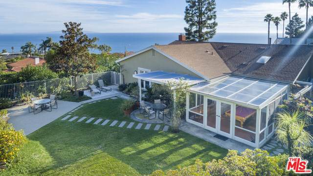 20433 Seaboard Road, Malibu, CA 90265 (#19536868) :: Sperry Residential Group