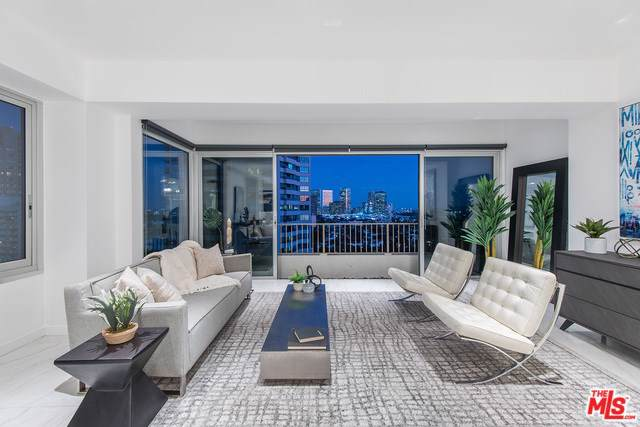 10501 Wilshire #1603, Los Angeles (City), CA 90024 (#19536600) :: Sperry Residential Group