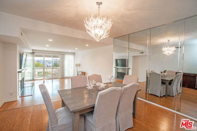 13078 Mindanao Way #204, Venice, CA 90292 (#19536792) :: Sperry Residential Group