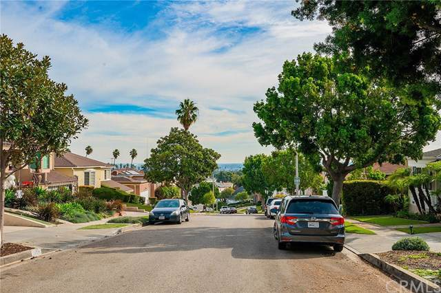 5263 Maymont Drive, Windsor Hills, CA 90043 (#DW19279262) :: Sperry Residential Group