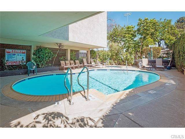 1061 Park Avenue #112, Long Beach, CA 90804 (#PW19281382) :: Sperry Residential Group