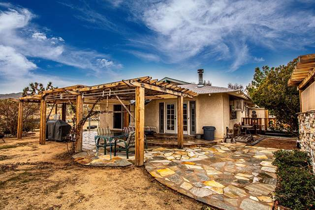 6784 Outpost Road, Joshua Tree, CA 92252 (#219035763PS) :: The Laffins Real Estate Team
