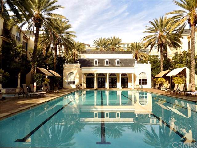 2207 Watermarke Place, Irvine, CA 92612 (#OC19285078) :: Team Tami