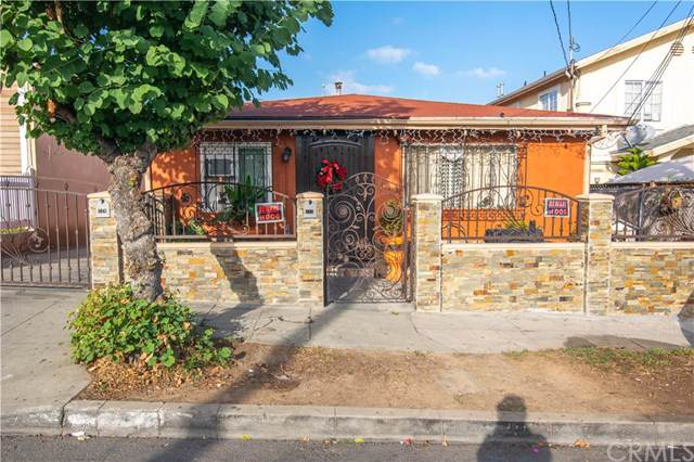 717 Cornwell St., East Los Angeles, CA 90033 (#DW19286550) :: Twiss Realty
