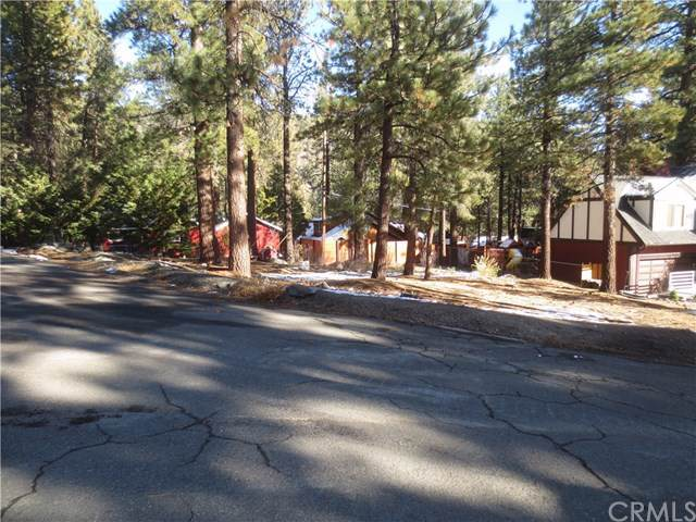 0 Twin Lakes Drive, Wrightwood, CA 92397 (#IV19260573) :: The Bashe Team