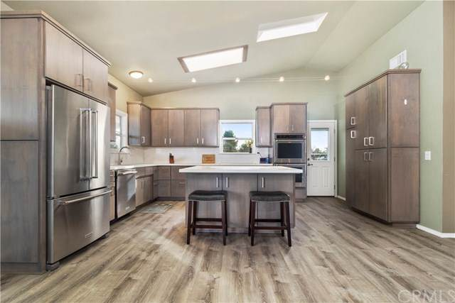 8240 Shirdon Place, Paso Robles, CA 93446 (#NS19286600) :: Sperry Residential Group