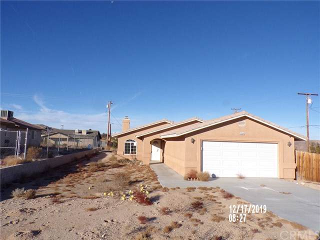 6544 Indian Cove Road, 29 Palms, CA 92277 (#JT19287380) :: Sperry Residential Group