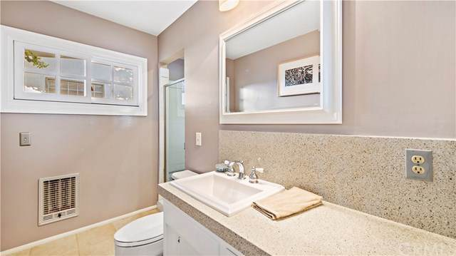 1085 La Mirada Street, Laguna Beach, CA 92651 (#LG20000030) :: Z Team OC Real Estate
