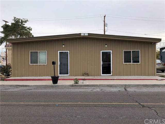 535 Front Street, Needles, CA 92363 (#JT19286996) :: Sperry Residential Group