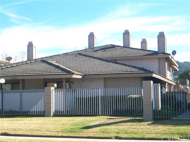 2376 Royal Avenue #21, Simi Valley, CA 93065 (#SR20001758) :: RE/MAX Parkside Real Estate