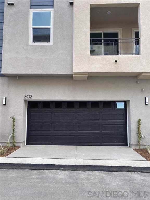 6034 Colt Pl #202, Carlsbad, CA 92009 (#200000706) :: The Houston Team | Compass