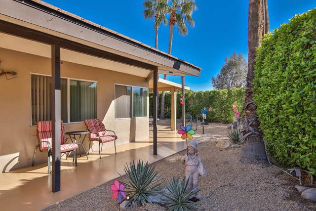 500 Racquet Club Road, Palm Springs, CA 92262 (#219036273PS) :: Twiss Realty